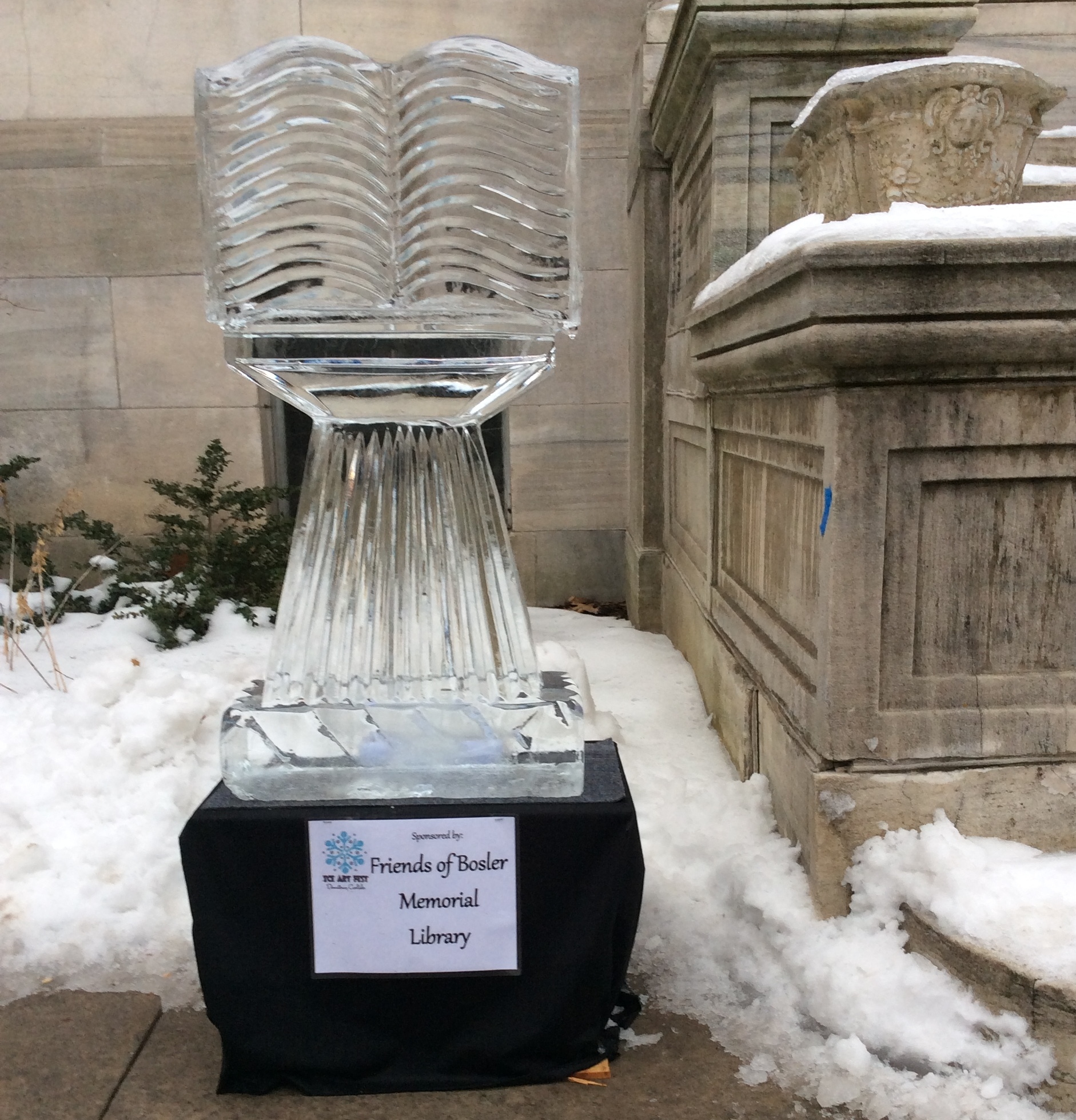 2018 ice sculpture